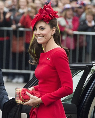 kate middleton red hat